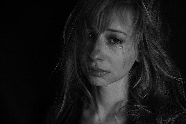 pláč ženy
