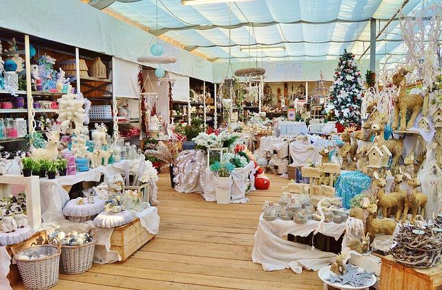 prodejna vánoční dekorace